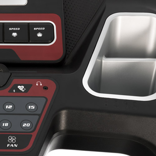 Sole F63 Close up of console