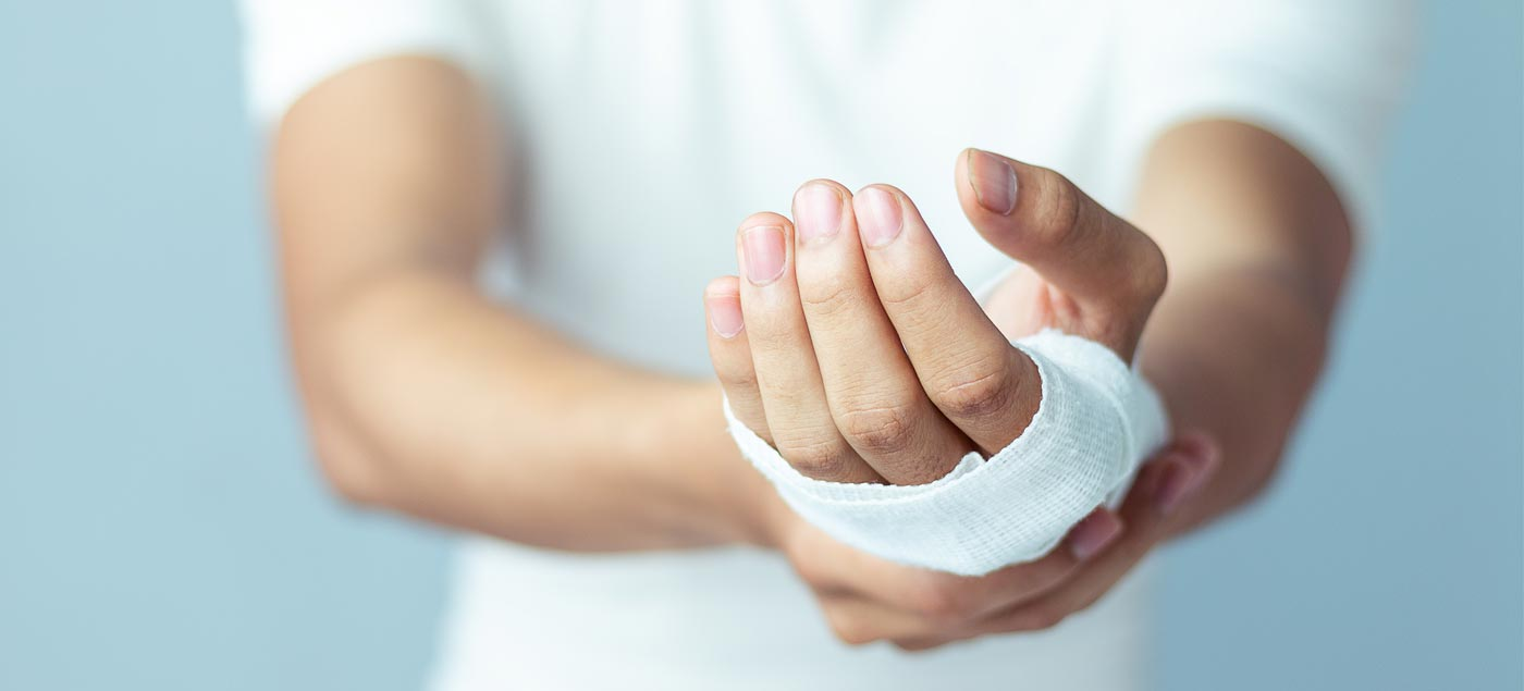 How to Avoid a Wrist Injury When Exercising