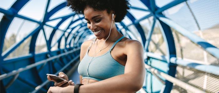 woman tracking her running progress